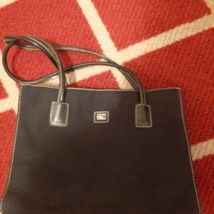 Double shoulder handbag.